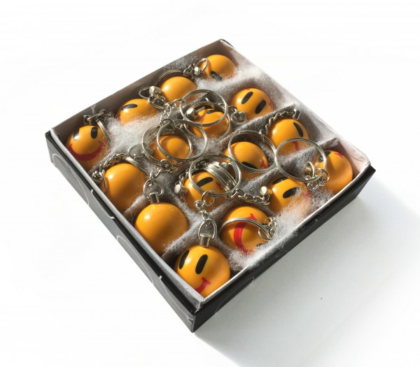 Schachtel mit Smiley Schlüsselanhängern